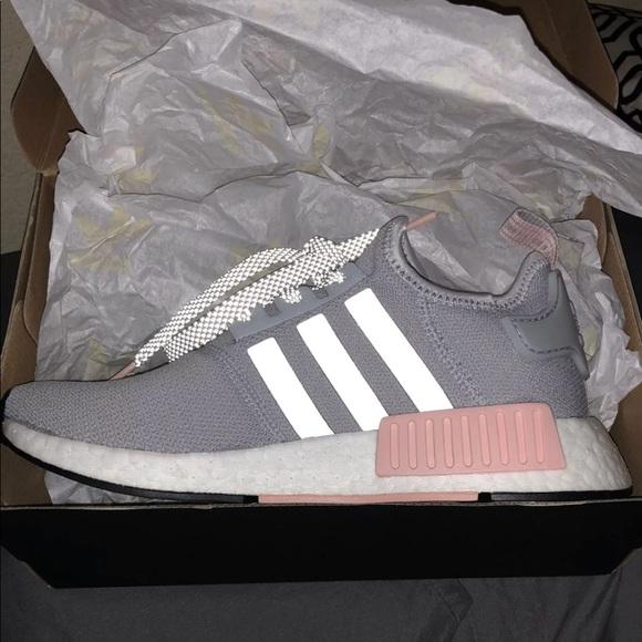 Adidas zapatos NMD R1 claro onix poshmark